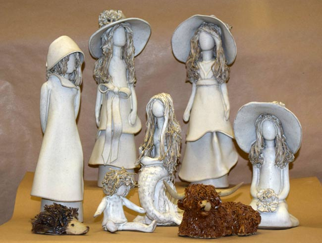 FACELESS LADIES AND ANIMALS CERAMICS COLLECTION